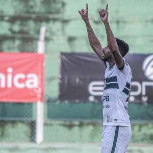 Waguininho exalta grupo do Coritiba e afirma: 'Pode fazer história'