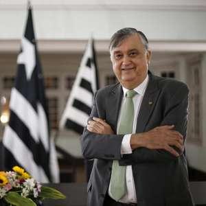 Presidente do Botafogo toma primeira dose da vacina da ...
