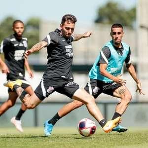 Corinthians treina finalizações e faz 'minijogo' em ...
