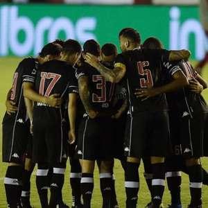 Após classificação com domínio, mas susto no fim, Marcelo Cabo diz que 'essa é a espinha dorsal' do Vasco