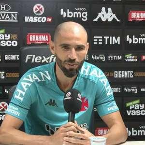 Apresentado, novo goleiro do Vasco garante o mesmo rendimento de outros anos: 'O Vanderlei não mudou'