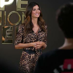 Isabella Fiorentino usa pijama e lingerie na moda casual
