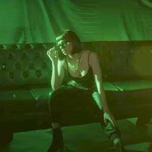 """Emilia Pedersen disponibiliza o clipe inédito de """"Turn ..."""
