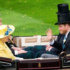 Harry e Meghan prestam homenagem ao príncipe Philip