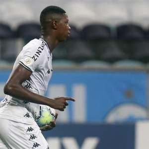 Por conta de negociação com o Athletico, Matheus Babi ...