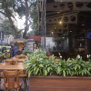 Rio reabre bares, restaurantes e comércio não essencial