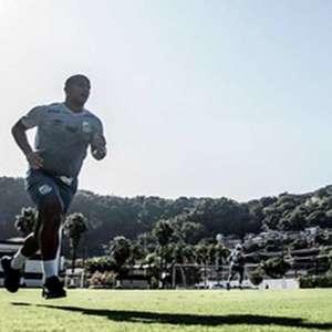 Sánchez volta a treinar com o grupo e fica mais perto de ...