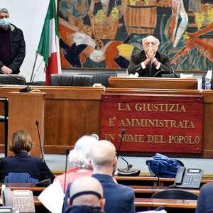 Promotor diz que Salvini não deve ser julgado por sequestro