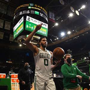 Tatum marca 53 e Celtics triunfa sobre Timberwolves
