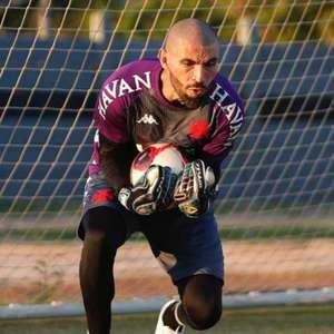Com a presença do goleiro Vanderlei, Vasco treina no CT ...