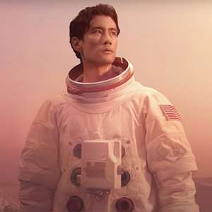 """Ator de """"Grey's Anatomy"""" vira astronauta em clipe de ..."""
