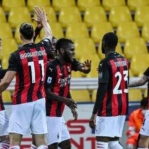 Milan supera expulsão de Ibrahimovic e vence Parma