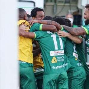 Portuguesa-RJ goleia o Bangu e se aproxima dos líderes ...