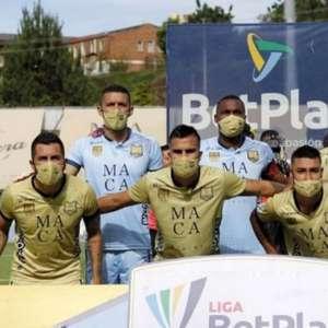 Na Colômbia, time tem surto de covid e entra em campo ...