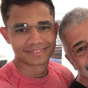 Lulu Santos celebra 3 anos de união com Clebson Teixeira