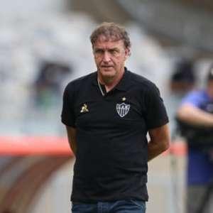 Cuca admite que Cruzeiro mereceu vencer o clássico: ...