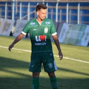 Mirray, ex-São Paulo, comemora classificação do Gama ...