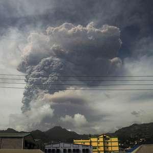 Pequena ilha do Caribe estremece com maior explosão ...