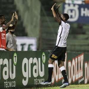 Cauê celebra primeiro gol pelo Corinthians e revela ...
