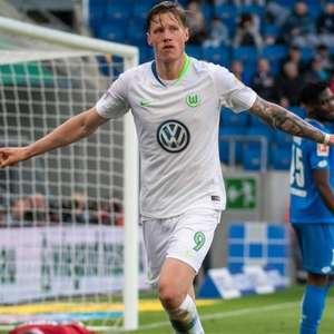 Wolfsburg promete conversa com atacante anti-vacina