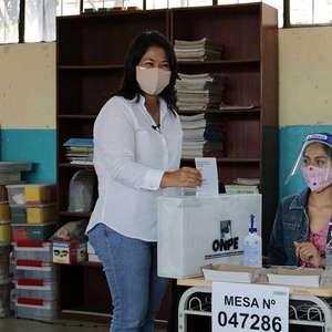 Apuração no Peru aponta 2º turno entre Castillo e Fujimori