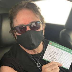 Fábio Jr. recebe primeira dose da vacina contra ...