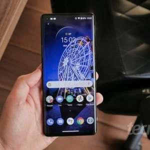 Motorola Edge+ recebe Android 11 com modo PC no Brasil