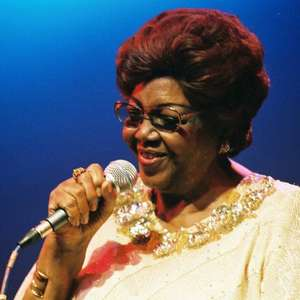 Álbum comemora o 99º aniversário de Dona Ivone Lara com ...