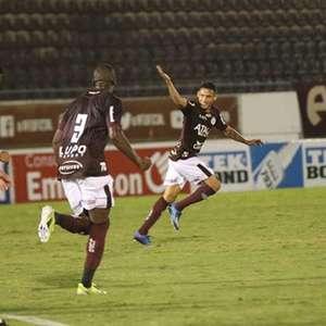 Corinthians sofre virada da Ferroviária e perde no interior