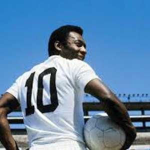 Pelé celebra aniversário de 109 anos do Santos: 'sempre ...