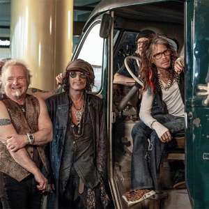Dave Grohl conta história das vans de turnês de rock em ...