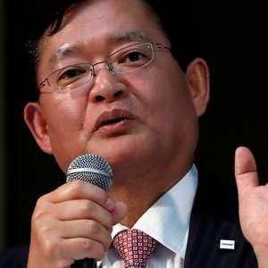 Controverso CEO da Toshiba renuncia e ações sobem