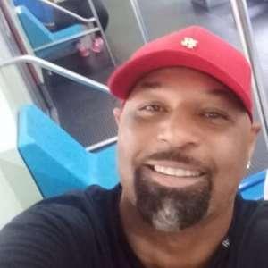Ex-atacante Dinei recebe críticas ao postar foto sem ...