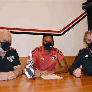 Reinaldo renova contrato com o São Paulo até o final de 2022