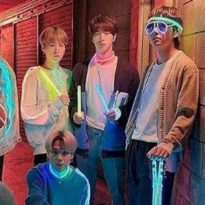 "BTS: ""Film Out"" estreia no topo da Billboard"