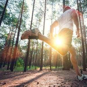 Prós e contras de correr bem cedo ou depois de anoitecer