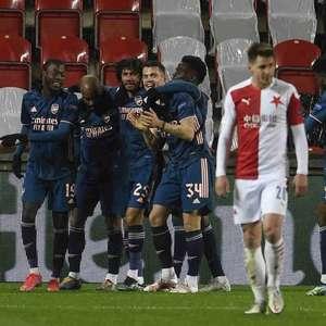 Arsenal dá show no primeiro tempo, goleia o Slavia Praga ...