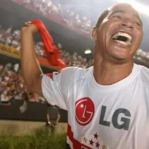 Após cair em trote envolvendo Kaká, Aloísio Chulapa ...