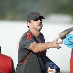 Com duas novidades, Flamengo está escalado para o clássico contra o Vasco; veja o time