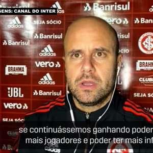 """INTERNACIONAL: Miguel Ángel Ramírez reconhece que expulsão de Cuesta condicionou seu plano de jogo: """"Queria testar mais os jogadores"""""""