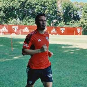 Trio do São Paulo segue em recuperação e corre no gramado