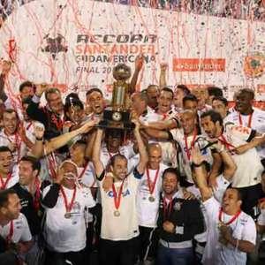 Corinthians provoca rival com #tbt de título da Recopa ...