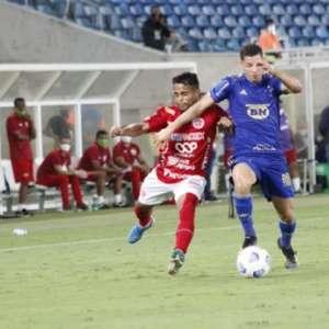 Felipe Conceição pede apoio para jogadores do banco de ...