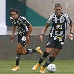Apenas com centroavantes da base, Botafogo se vê com ...