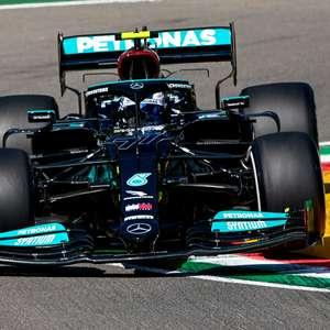 Bottas lidera 1-2 da Mercedes em agitado TL1 na Emília-Romanha. Mazepin roda e bate