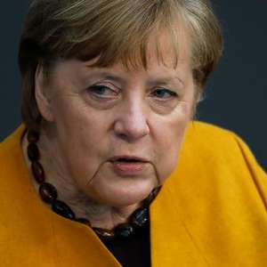 Angela Merkel recebe vacina contra o coronavírus