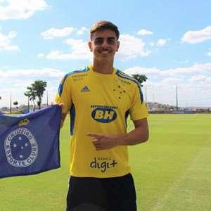 Cruzeiro ajusta contrato do zagueiro Weverton , de 18 anos