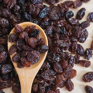 10 benefícios de incluir as uvas passas em sua dieta