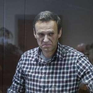 'Navalny está morrendo', acusa porta-voz de opositor russo