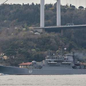 Rússia reforça presença de navios de guerra no Mar ...